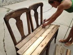 DIY Pallet Bench from Chairs | 99 Pallets