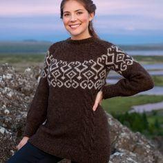Móra sweater strikket i lettlopi. Oversigt over materialer og strikkefasthed er nederst på siden Opskriften sælges kun sammen med garn til sweateren. Lettlopi garnet finder du her