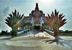 Luang Pho Koon Museum