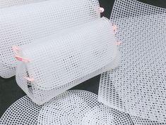 Used for shaping the bottom of the bag, plastic mesh sheet, Plastic Canvas Stitches, Plastic Canvas Crafts, Plastic Canvas Patterns, Diy Crochet Bag, Crochet Bag Tutorials, Diy Handbag, Diy Purse, Plastic Mesh, Diy Bags Purses