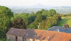 Womerton Farm Bunkhouse is situated right next to the Long Mynd, an Area of National Beauty in the heart of the Shropshire Hills. It offers . Welsh Marches, Herefordshire, Bunkhouse, Hostel, Campsite, Bed And Breakfast, Britain, England, Cottage