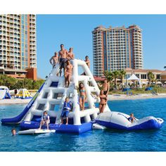 Aquaglide Jungle Joe II Water Park and Slide - Whoa! The Aquaglide Jungle Joe II Water Park and Slide is the biggest, baddesst, wettest water obstacle we've ever seen. This massive tower. Water Trampoline, Backyard Trampoline, Backyard Patio, Boat Building Plans, Boat Plans, Cool Water Slides, Wet Water, Diving Board, Pool Accessories