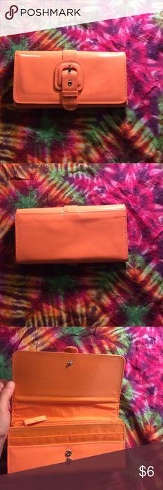 *new* wallet Neon orange, Would arrive before Halloween 👻 Accessories Key & Card Holders