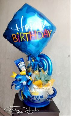 Happy Birthday Bouquet, Birthday Wishes, Homemade Gift Baskets, Homemade Gifts, Birthday Drinks, Candy Bouquet, Gift Hampers, Party Gifts, Fathers Day