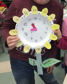 Mrs Kirvar's Creative Corner: Making a Clock to help with 5 minute intervals