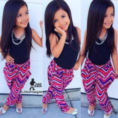 such cute pants for the mini and with pockets?she& ready 2 rock Little Girl Outfits, Cute Outfits For Kids, Little Girl Fashion, Cute Little Girls, My Little Girl, Toddler Fashion, Toddler Outfits, Cute Kids, Kids Fashion