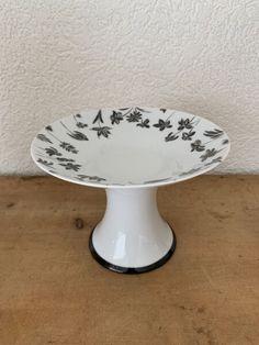 Schale auf Fuss Porcelain, Gifts, Color Black, Porcelain Ceramics, Presents, Favors, Gift, Tableware