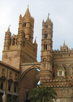 Palermo | Sicily, Italy By Piero tasso derivative work: Memorato [CC-BY-SA-2.5-2.0-1.0, CC-BY-SA-3.0 or GFDL], via Wikimedia Commons
