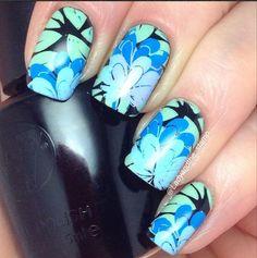 Charming Blue Floral Stamping Nails : http://instagram.com/p/yRd9ciEUB0/?modal=true