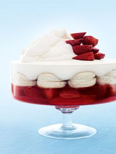 strawberry and vanilla macaron trifle