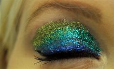 awesome glitter makeup.i want my eyes like that