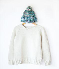 Everyday Raglan sweater pattern by Sheep & Stitch. Cast On Knitting, Loom Knitting, Knitting Stitches, Free Knitting, Knitting Ideas, Knitting Projects, Knit Vest Pattern, Sweater Knitting Patterns, Knit Patterns