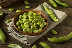Did you know fava beans can help pregnant mothers get the folate they need? Find out all the benefits of fava beans, along with precautions. Top 10 Home Remedies, Natural Remedies, Underactive Thyroid, Fava Beans, Nutritional Value, Incredible Recipes, Health Benefits, Beans Benefits, Slow Food