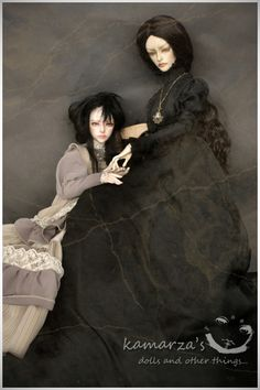 Is it just me or does the doll on the right look like Eva Green?