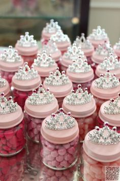 26. Baby Food Jar #Princess Crowns - 40 #Outstanding Party Favors You Can #Customize for Your Next Party ... → DIY #Favors
