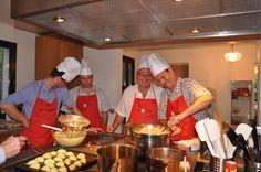C'est vous qui faîtes la cuisine accompagné par un grand chef!