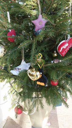 Christbaum Christen, Christmas Ornaments, Holiday Decor, Home Decor, Decoration Home, Room Decor, Christmas Jewelry, Christmas Decorations, Home Interior Design