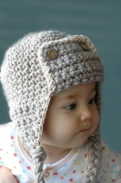 Baby Crochet Hat - so adorable... maybe for E for Christmas... I am trying to make each in my fam a crocheted hat for Christmas, we will see if they get done... goodness knows I have enough projects to do!!