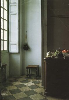 Like a Vermeer painting! Floor and window to die for. A room as a still life. The minimalism. The shapes. The light! Beauty!