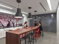 travelzoo-office-design-6 #collaborative #meeting #kitchen