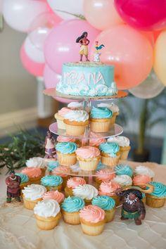 Colors on cupcakes Moana Birthday Decorations, Moana Birthday Party Theme, Moana Themed Party, 2 Birthday Cake, Girl 2nd Birthday, First Birthday Parties, First Birthdays, Moana Birthday Cakes, Moana Theme Cake