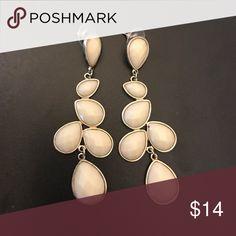 Francesca's Collection earrings very cute dangly earrings, in excellent condition! Francesca's Collections Jewelry Earrings