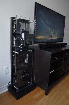 Custom HTPC: Looks over function - Album on Imgur