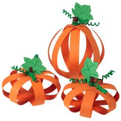 Paper Pumpkins ~~ I can remember making these as a child. Fun to do with a family.