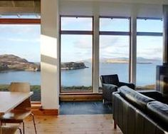 "<img src='http://s-ec.vcomstatic.com/images/hotel/max300/296/29650889.jpg'  width=""300"" height=""225"" /><br /><strong>Four-Bedroom Holiday Home</strong>"
