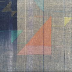 Ilse Acke is a textile designer who specializes in weaving and print pattern design. Weaving Designs, Weaving Projects, Tapestry Loom, Triangle Design, Textiles, Weaving Techniques, Hand Quilting, Textile Design, Pattern Design