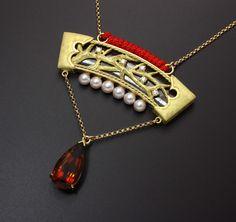 18K gold, citrine, pearl, and diamond.  (C) Kazuhiko Ichikawa. On sale only via inquiry message.