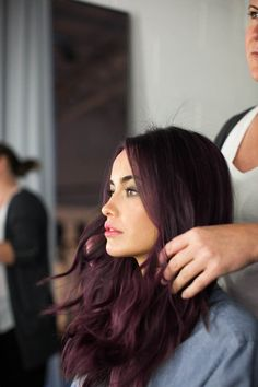 If you're considering changing your hair color, you can view in the dark purple hair color picture gallery below and have more inspiration for your hair Subtle Purple Hair, Burgundy Hair, Dark Brown Purple Hair, Dark Plum Brown Hair, Purple Tinted Hair, Dark Maroon Hair, Dark Violet Hair, Purple Ombre, Deep Purple
