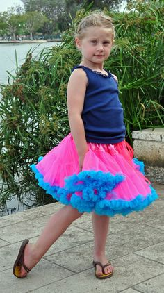 pettiskirt tutorial Diy Tutu Skirt, Tulle Skirt Tutorial, Tutu Skirts, Tulle Dress, Tulle Tutu, No Sew Tutu, Kids Outfits, Cute Outfits, How To Make Tutu