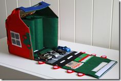 Tutorial: Felt Car Play Mat/House by http://www.cookcleancraft.com/