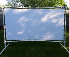 Backyard Movie Screen For a great summer night out, don't try to find a drive in movie. Backyard Movie Screen, Backyard Movie Party, Outdoor Movie Party, Backyard Movie Theaters, Outdoor Movie Screen, Backyard Movie Nights, Outdoor Movie Nights, Movie Night Party, Outdoor Theater