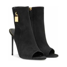 Tom Ford Embellished Suede Ankle Boots ($1,600) ❤ liked on Polyvore featuring shoes, boots, ankle booties, ankle boots, black suede bootie, black booties, black bootie and short boots