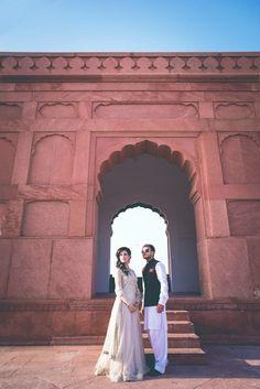 The Ultimate Wedding Beauty Checklist Cute Couple Poses, Couple Posing, Couple Shoot, Cute Couples, Exotic Wedding, Desi Wedding, Wedding Beauty, New Fashion Saree, Pre Wedding Photoshoot