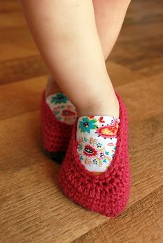 Crochet Booties with Fabric