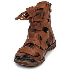 Mens Shoes Boots, Mens Boots Fashion, Fashion Shoes, Shoe Boots, Shoes Sandals, African Shirts For Men, Beautiful Sandals, Comfy Shoes, Huaraches