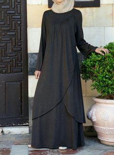 SHUKR's long dresses and abayas are the ultimate in Islamic fashion. Islamic Fashion, Muslim Fashion, Modest Fashion, Fashion Dresses, Abaya Mode, Mode Hijab, Abaya Designs, Hijab Stile, Muslim Dress