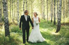 Hääkuva koivumetsässä  ~ Johanna  Mikko. © Tuomas Mikkonen | Wedding Photographer | Finland l Worldwide
