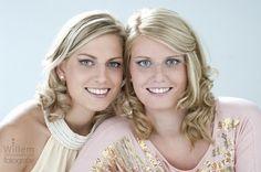 #glamourfotografie #glamour #fotografie photographie sisters zussen zusjes door Willem Hoogendoorn Fotogafie, Woerden ( Sue Bryce inspired )
