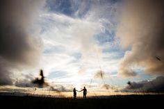pre casamento; pré casamento; precisamente; pre wedding; prewedding; noivos; casamento; wedding; bride; groom; noiva; noivo; pré casamento serra; fotos; sessão casal; sessão fotográfica casal; campo; fotos no campo; fotos no verde;