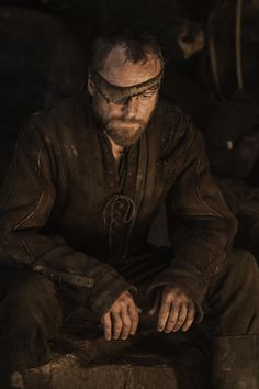 Season 3 - Richard Dormer as Beric Dondarrion – Photo Helen Sloan/HBO