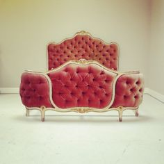 Dusky pink / deep buttonned / 3 panelled / Vintage French corbeille bed / colour blast! /  Frenchfinds.co.uk