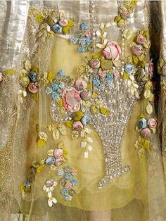 Великолепная вышивка, нежнейшее кружево, шелковые ленты: прекрасные детали антикварных платьев - Ярмарка Мастеров - ручная работа, handmade