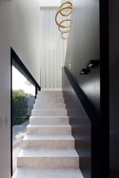 Toorak Residence 3 Archives - Signorino Tiled Staircase, Tile Stairs, Entry Stairs, Concrete Stairs, Modern Staircase, House Stairs, Facade House, Home Stairs Design, Interior Stairs
