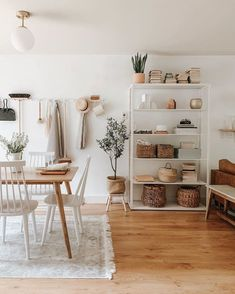 Southern Home Interior Vintage industrial style decor trends to make a lasting impression in your guests! Home Interior Vintage industrial style decor trends to make a lasting impression in your guests! Home Design, Design Ideas, Nordic Design, Design Design, Living Room Decor, Living Spaces, Living Rooms, Dog Spaces, Small Apartment Living