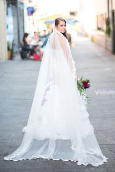 SAMPLE SALE/ One-tier Cathedral Veil With Scalloped Lace Trims (#PB196)