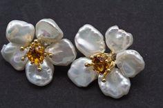 Petal pearl keshi pearl earrings citrine gem by KelferStudios - Pearl Jewelry Pearl Stud Earrings, Pearl Studs, Flower Earrings, Pearl Jewelry, Sterling Silver Earrings, Gold Earrings, Gold Jewelry, Fine Jewelry, Citrine Earrings